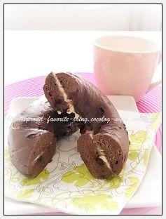 Strawberry_chocolate_bagel